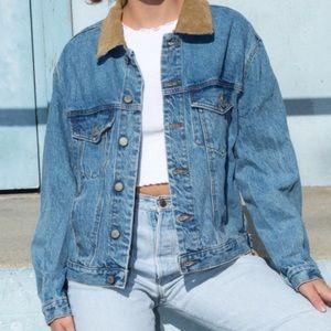 Brandy Melville Kaylee Denim jacket - tan collar